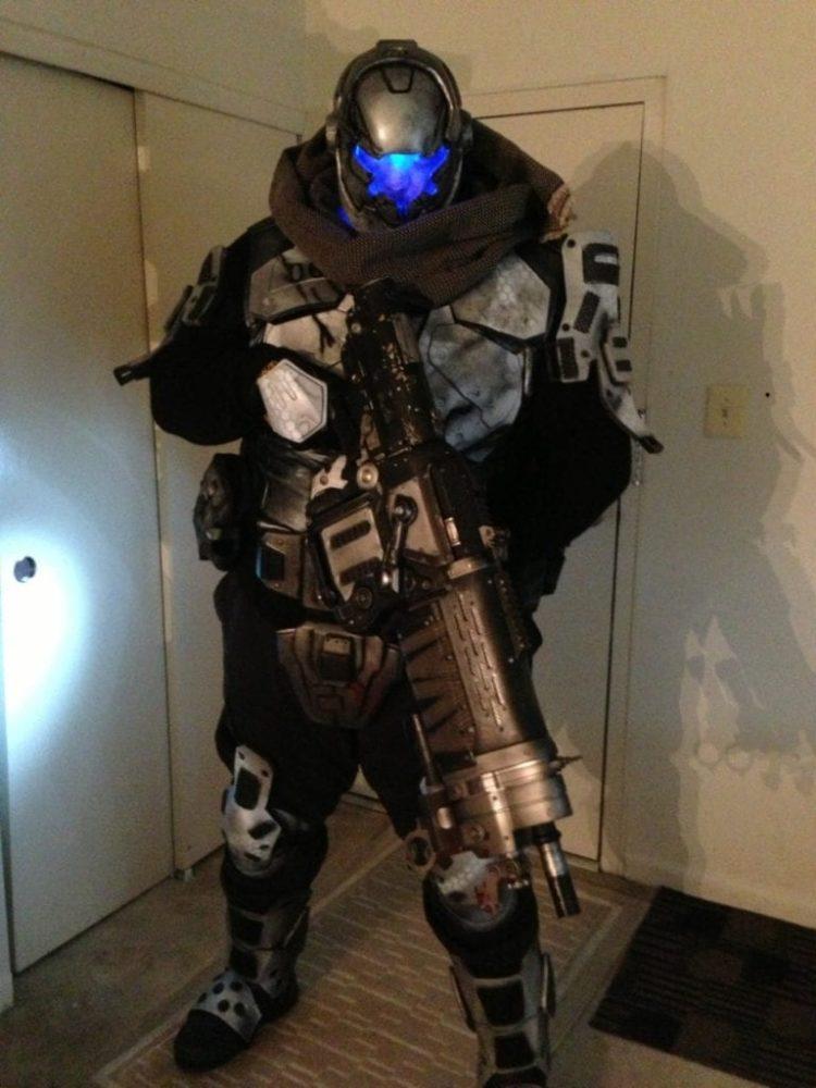 Fun Stuff: This Titanfall IMC Pilot Cosplay Is Spectacular
