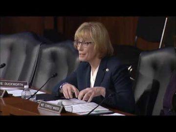 U.S Senator calls on the ESRB to address loot boxes