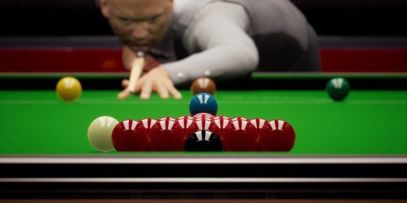 Snooker 19 Pc Lining Up To Brreak