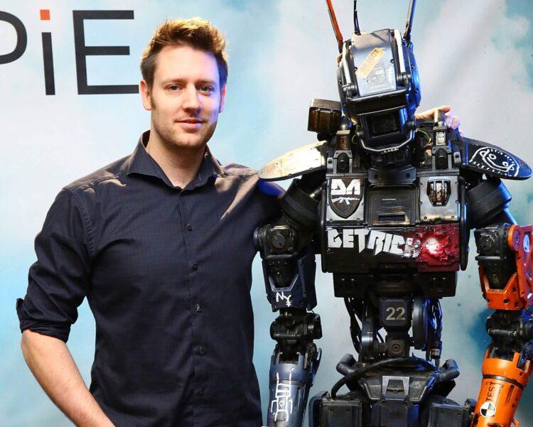 blomkamp multiplayer shooter robot pose